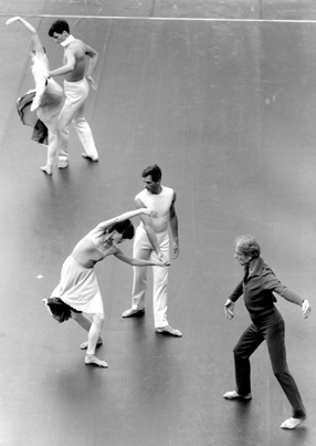 TRIBUTE TO MERCE CUNNINGHAM Cunningham s works had a profound impact on avant-garde dance theatre Mercier Merce Philip Cunningham (1919 2009) was an American dancer and choreographer who was at the