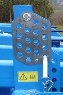 Well-tested design of ploughshares made from extremely highstrength abrasion-resistant steels; Resistant and maintenance-free spring protection with a high release force of 450kg Easy Operation