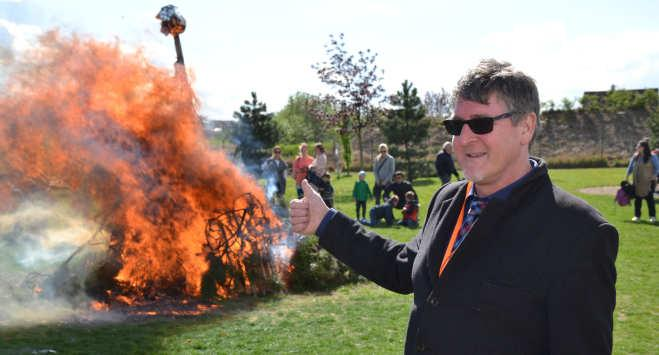 ü ø Burning Witches at the Garden Party The night of April 30 is a significant date, when the Celts celebrated one of their